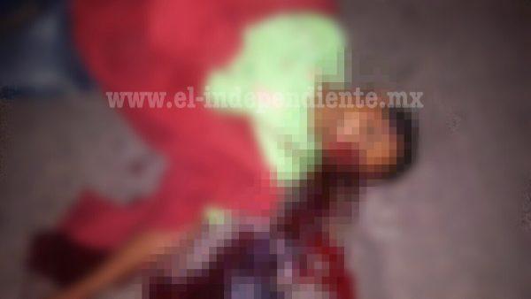 Desde un auto en movimiento disparan y matan a un joven en Sahuayo