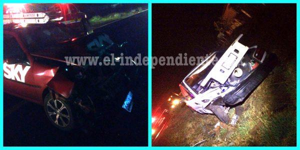 Fuerte choque en Tangancícuaro deja a ambos conductores lastimados