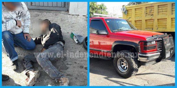 Albañiles heridos tras chocar contra una camioneta en Jacona