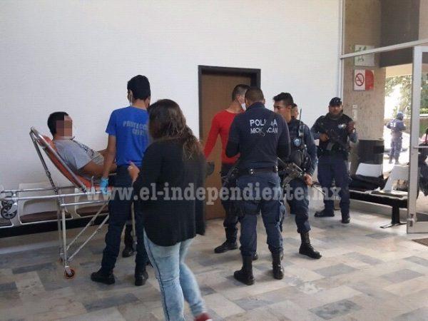 Dos hermanos son detenidos, señalados de agredir a balazos a policías y militares