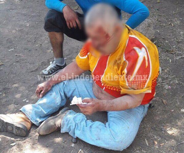 Velador herido al ser embestido por un auto, en El Puente de Tubos