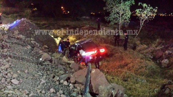Sufren accidente policías al trasladarse a atender una emergencia; son 2 los heridos