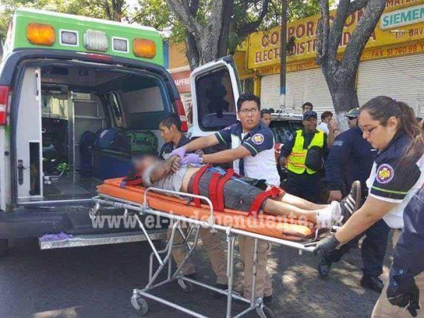 Gravemente lesionado ciclista tras ser embestido por camioneta de Marinela