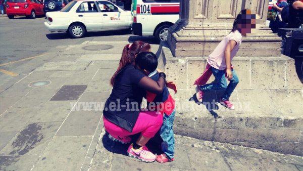 Policía reúne a madre e hijo en Morelia