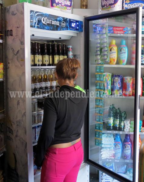 Sube consumo de alcohol y tabaco en mujeres en más del 35%