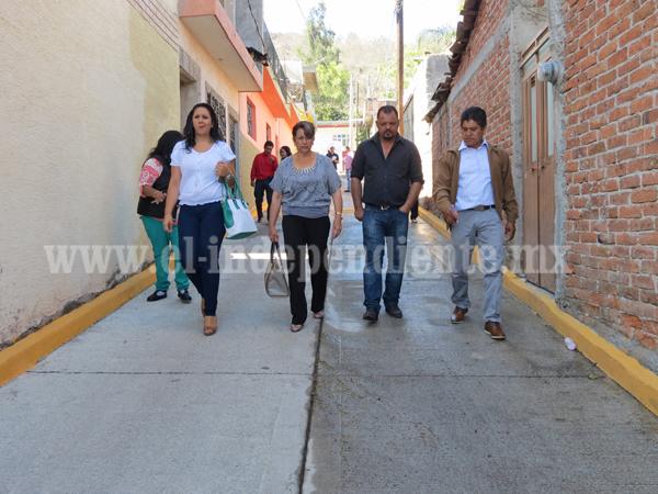 Inauguran pavimentación con servicios básicos en El Realejo