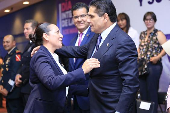 Reconoce Gobernador labor de las mujeres policías de Michoacán