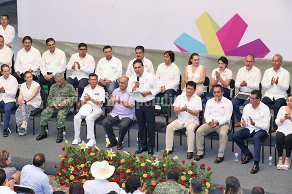 Instala Gobernador Consejo Municipal para el Desarrollo Integral de Lázaro Cárdenas