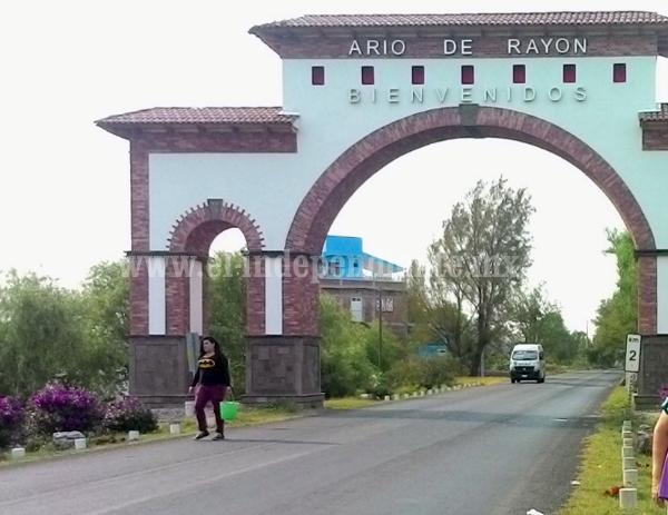 Familias de Ario de Rayón protestan por falta de Panteón