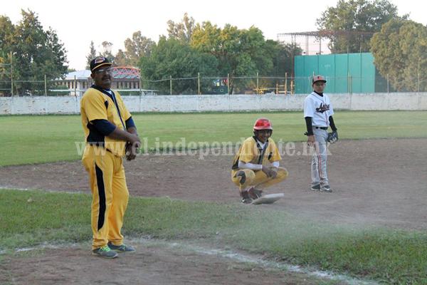 Rojos de Jacona es el mandón en la Liga Regional de Beisbol