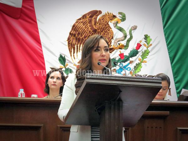 Propone Noemí Ramírez creación de biblioteca digital del Congreso del Estado