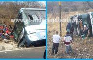 Se impactan autobuses en Ecuandureo; 45 lesionados