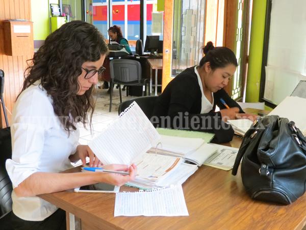 Mujer gana terreno en campo laboral