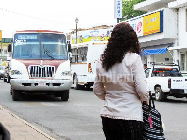 Mayoría de usuarios de transporte público son mujeres