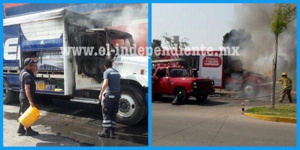 Queman 4 vehículos en Zamora y Jacona