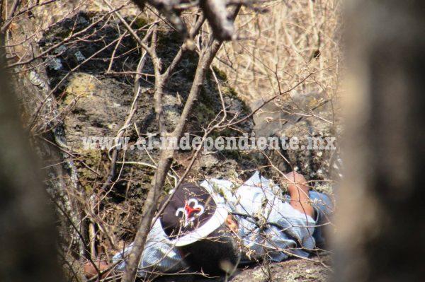 Pintor es hallado ahorcado en cerro de Ario de Rayón