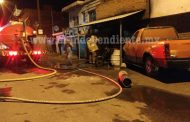 Arde taller de motos en la Avenida Juárez de Zamora