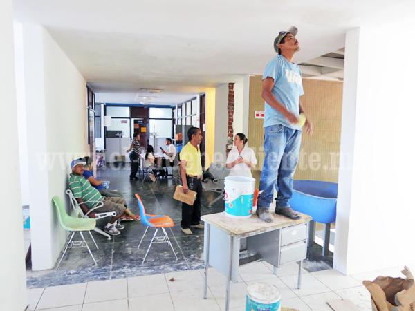 Avanza reconstrucción del Centro de Salud Niños Héroes