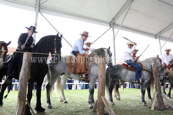 En un ambiente de fiesta y tradición Silvano Aureoles inaugura III Muestra Nacional de Ganado Cebú