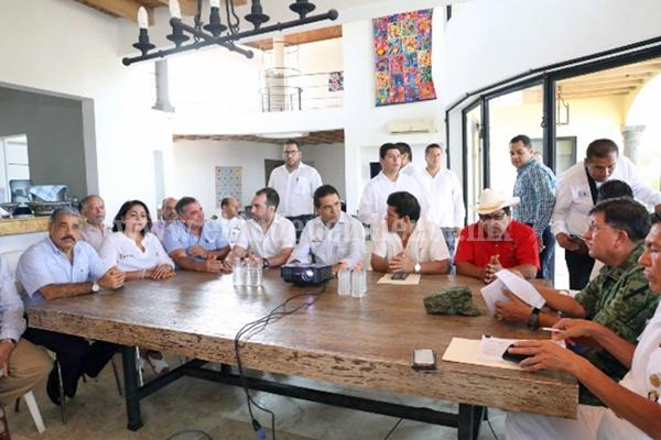 Trabajar juntos sobre ejes que detonen el desarrollo de Lázaro Cárdenas:Silvano Aureoles