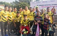 Ángel Macías acompañó a equipo representativo de Ixtlán al Torneo de Street Soccer