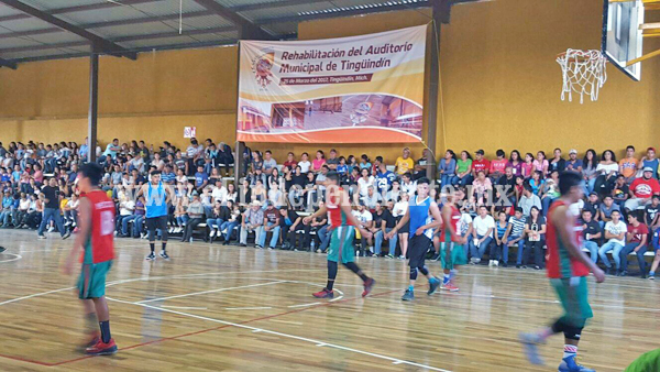 Gran participación de los niños Triquis en Tingüindin