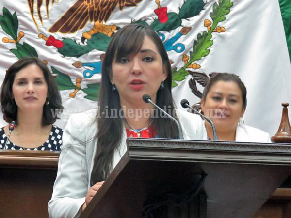 Noemí Ramírez busca incentivar participación de jóvenes en bienestar social