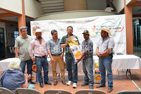 Benefician a 150 ecuareros con apoyo de 30 mil pesos