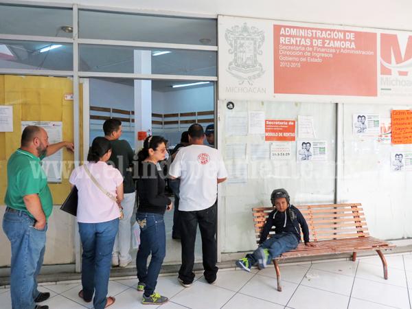 Contribuyentes tienen un mes para pagar refrendo sin multas ni recargos