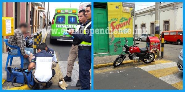 Motociclista se impacta contra camión