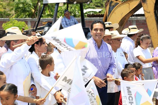Con educación de calidad, transformaremos Michoacán, reitera Gobernador