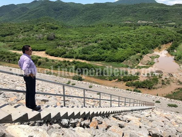 Supervisa Gobernador construcción de Comunidad Modelo El Chihuero