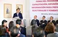 Firma Silvano Aureoles Programa para Prevenir Delitos Electorales