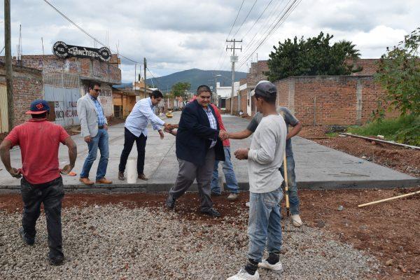 Arturo Hernández comprometido con realizar obras en beneficio de la población