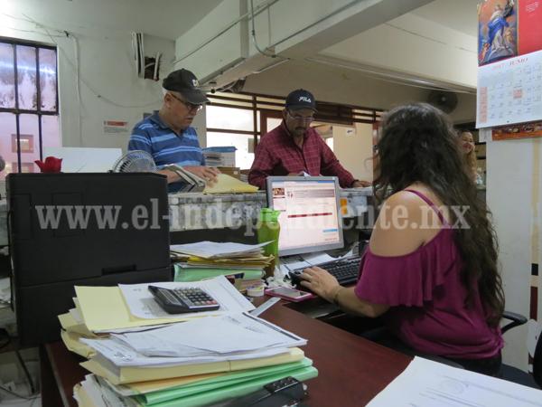 Designan a Carlos Alberto Mejía como nuevo Administrador de Rentas
