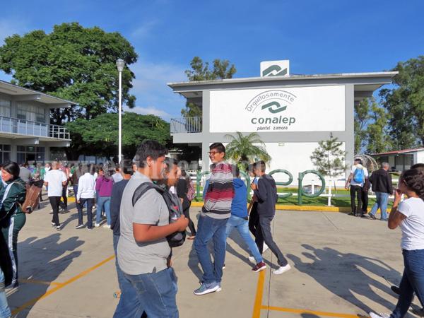 Mantienen a la baja nivel de deserción en CONALEP Zamora