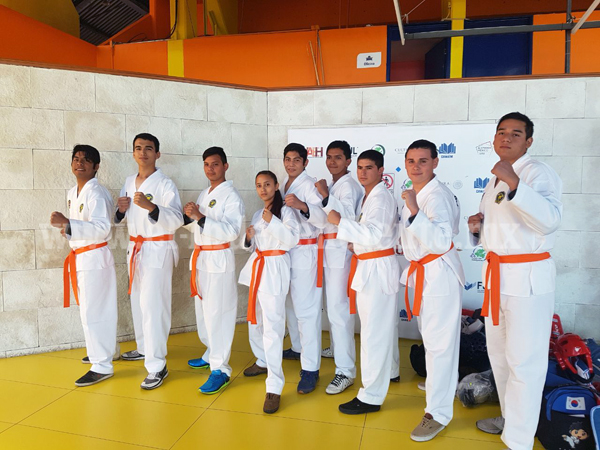 Destacan alumnos del Tec Zamora en competencias deportivas regionales y estatales