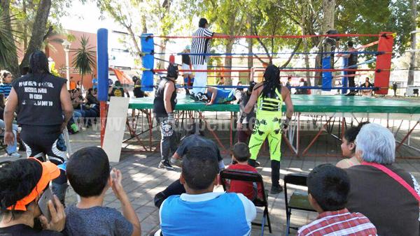 Con gran éxito se llevó a cabo evento de lucha libre