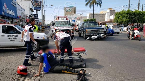 Trabajador de Pizzería queda herido tras accidente contra camioneta
