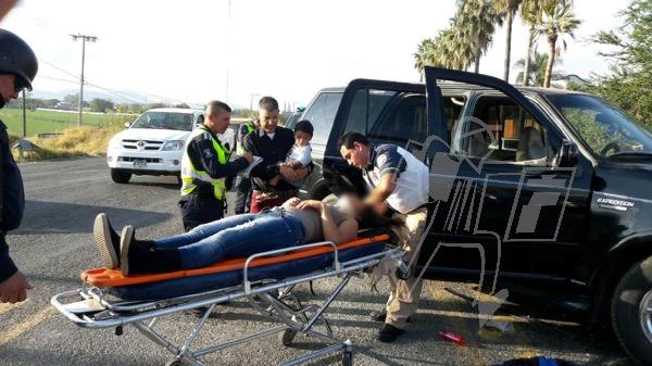 Mujer herida tras choque en la carretera Zamora - Tangancícuaro