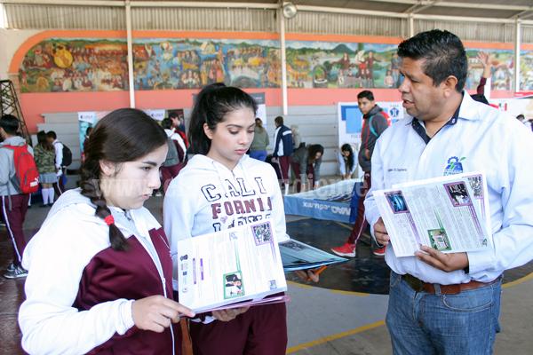 Tec Zamora da a conocer en Zacapu su oferta educativa