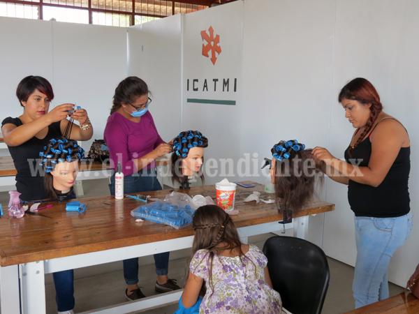 Mitad de alumnos de ICATMI deciden generar su propio negocio