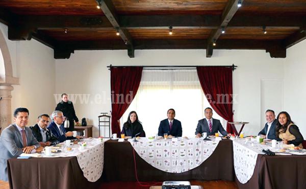Analiza Gobernador con diputados y diputadas la situación y retos del estado