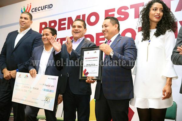 Entrega Silvano Aureoles Premio Estatal al Mérito Deportivo 2017