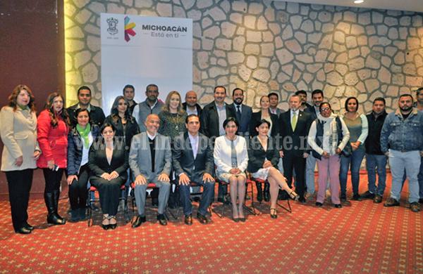 Garantizan Gobierno de Michoacán y Embajada de EU en México derechos de migrantes
