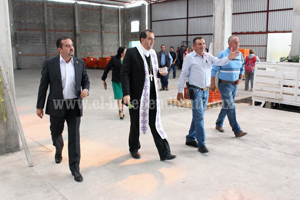 Ixtlán atrae a agroindustria por su crecimiento en producción de fresa