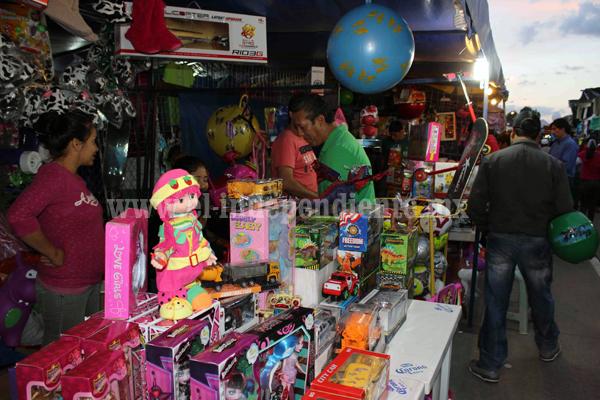 Presidente municipal de Zamora deja a su suerte a comerciantes de la Feria de Juguete