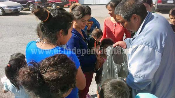 Luchadores  de Zamora entregaron juguetes