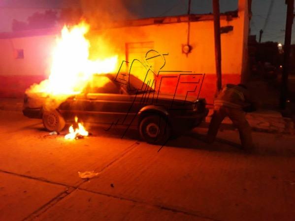 Se incendia coche robado