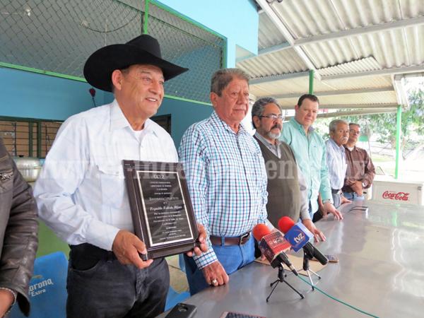 CCERZA reconoció a  exitosos empresario michoacano del ramo vinícola